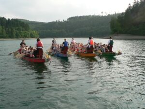 Teamtraining auf dem Wasser